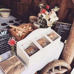 Festival o'clock #veganani #festivalfood #festival #healtyfestival #shabbychic #flowers #catering #catering #vegancatering #veganfood #vegan #party #food #veggie #partytime #munich #augsburg