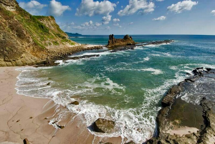 Duna Cliff, Rivas - Nicaragua  Wow, this is beautiful. Maybe on the way to San Juan del Sur?