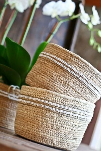 nomadic basket flowers i love pinterest malle en osier osier et malle. Black Bedroom Furniture Sets. Home Design Ideas