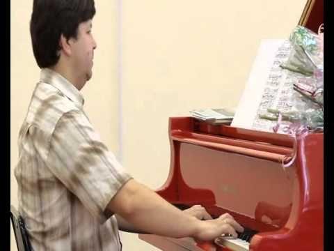 Alex Kurbanov (piano) - Alex Kurbanov, Paradigme de la Compassion