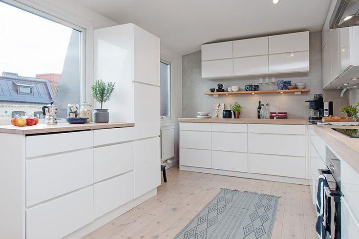 interiores de áticos y lofts estilo nórdico escandinavo estilo nórdico espacios diáfanos decoración decoración en blanco decoración de ático...