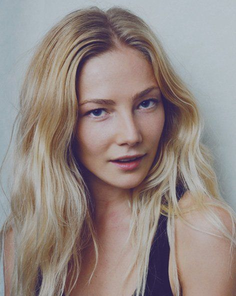 Clara Paget hard to believe she can transform into Anne Bonny !