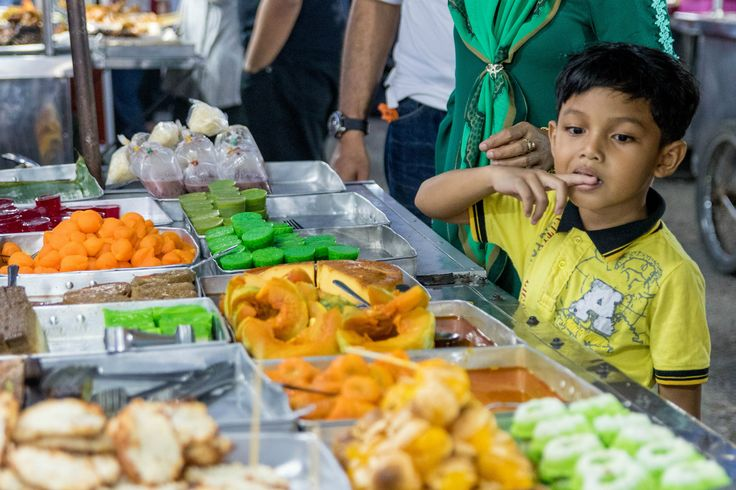 <p>Just south of the Thai border, on the northeast coast of Malaysia, lies Kota Bharu, a city of sweet, scrumptious Malay fare different from the rest of the country. Kota Bharu is the capital of Kelantan, an intensely religious state ruled by the Pan-Malaysian Islamic […]</p>