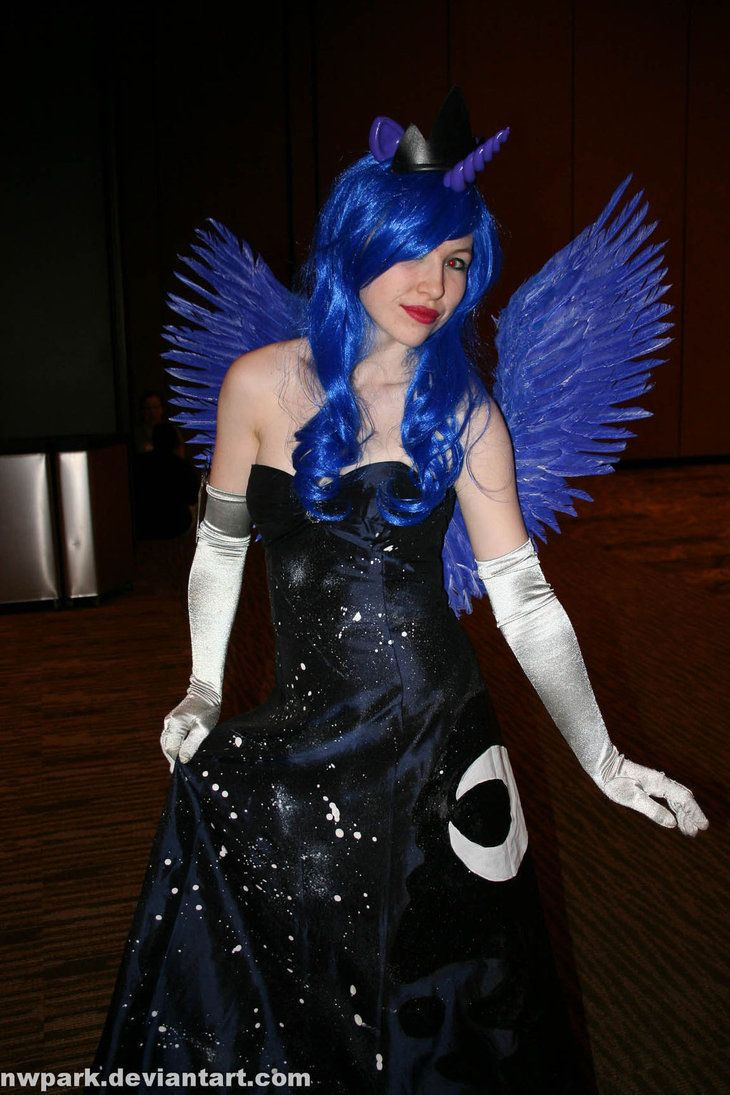 1000 Ideas About Princess Luna Cosplay On Pinterest Nightmare Moon Princess Luna And Mlp