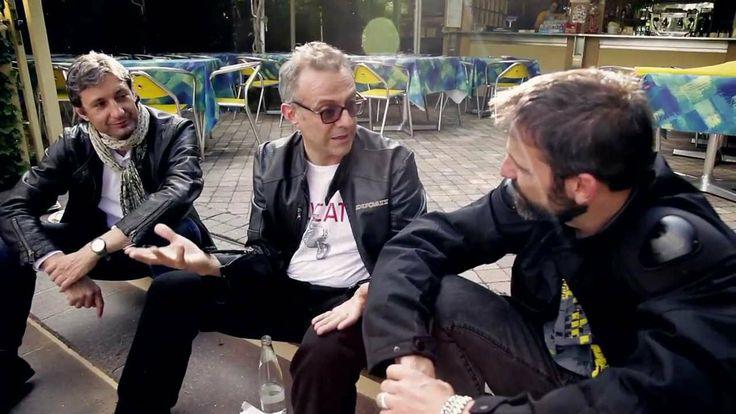 Lo #chef Massimo Bottura, icona dell'alta cucina Italiana del mondo, incontra #Rimini Street Food. In sella ad una #Ducati Monster fa visita ai baracchini di Rimini, assaggia la piada e si racconta, con il suo stile tra rock e poesia.