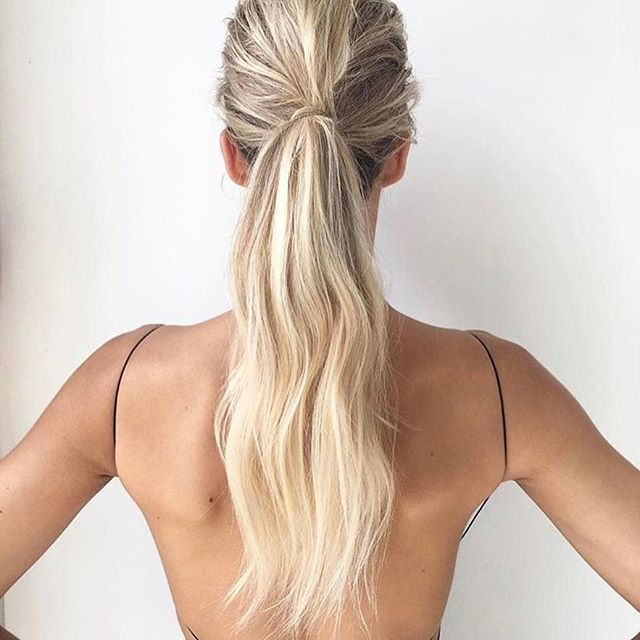 Our hair styling queen @jaimmeleecreative creating textured pony amazingness! Book Jaimme for your next event by heading to the 'HAIR' tab of www.natalierolt.com ✖️