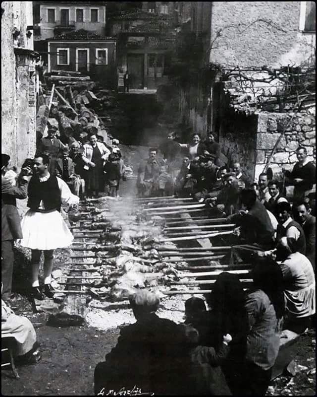Πάσχα 1953 στην Αράχωβα φωτ.Σπύρος Μελετζής