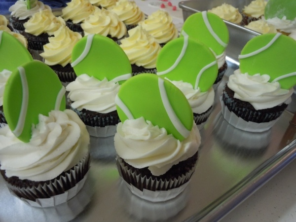 Tennis Ball cupcakes    My favorite sport...because Im amazing at it! i think ima make these this weekend...im in a baking mood