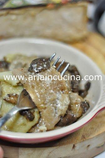 Blog di cucina di Aria: Gnocchi bicolori di patate e castagne gratinati e ripieni di funghi e mascarpone