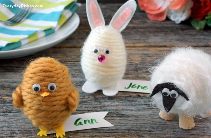 Make adorable egg place cards for your Easter table. They're easy to make and can be used every year!