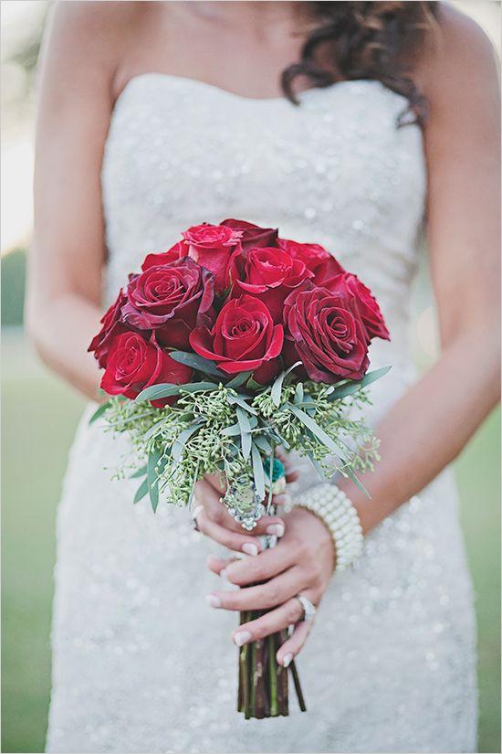 red rose bouquet @weddingchicks