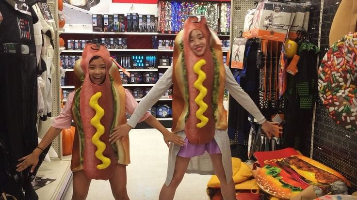 DAANCING HOT DOGS Were the new hot dog filter on snapchat - w/ my partner in crime @youaintkawaii : @xyoyouax - #kpop #public #dancing #dance #cover #publicdancing #target #kpopdance #kpopcover #kpopdancecover #kpopdancer #kpopcoverdance #halloween #hotdog #korea #dancecover #bts #gogo #dna #bst #micdrop #comeback #october