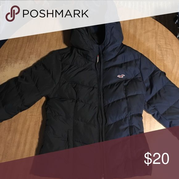 Hollister Jacket Great used condition. This tag says large but fits like a small. This is a nice Hollister jacket. Hollister Jackets & Coats Puffers
