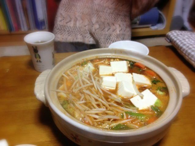 昨日は友だちと味噌キムチ鍋でした~(o^^o) あったかうまうま(・ω・)♡ - 3件のもぐもぐ - 味噌キムチ鍋 by miyu0208