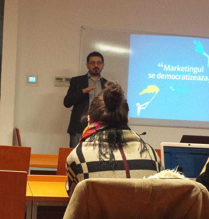 Invitatul din data de 12.12.2014, la cursul de Strategii de comunicare digitală este Dorin Boerescu, CEO 2 Parale, care a vorbit despre Marketing afiliat. https://www.2parale.ro/