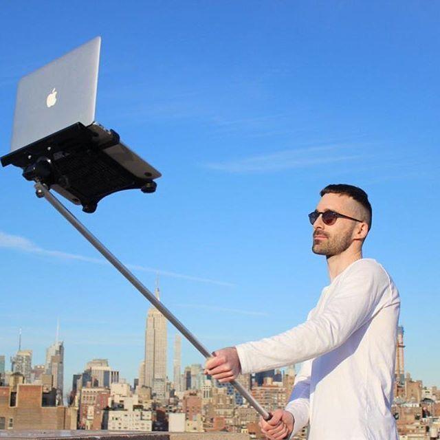 Believe in your #selfie! #digitalagency #creativestudio #Ux #coding #dev ##development #inspiration #digital #ui #mobile #seo #socialmedia #webmarketing #website #frenchweb #Ia #macbook