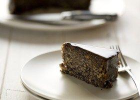 BACKGROUND Hungarian Poppyseed Cake
