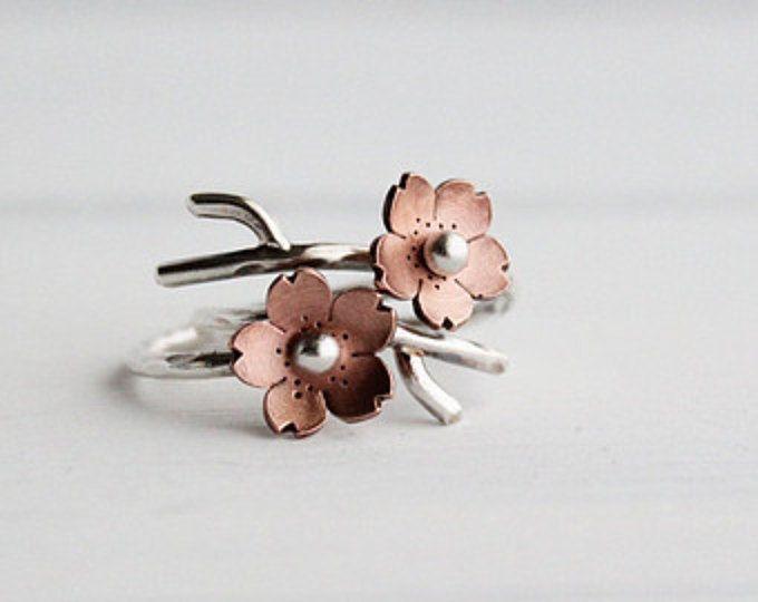 Cherry Blossom rama anillos, joyas de primavera, MADEtoORDER, apilamiento de anillos, flor de Sakura, joyería de la ramita, señaló pétalos