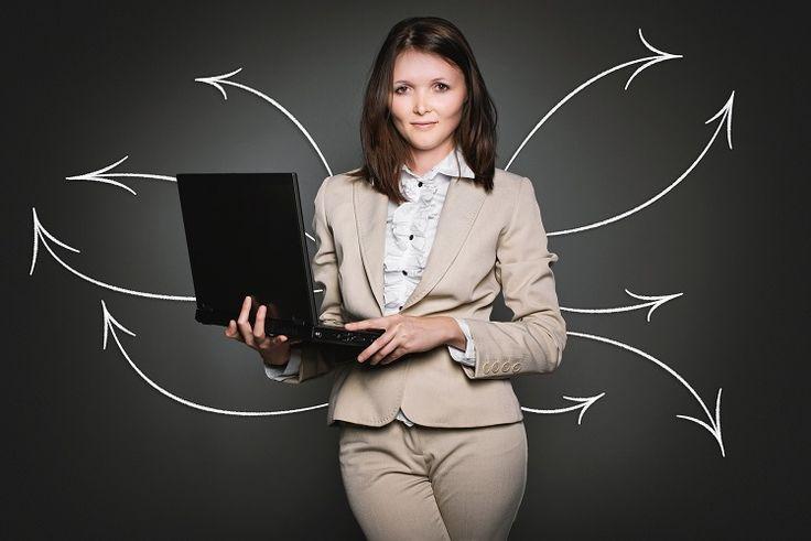 """El término """"etiqueta en la oficina"""" se refiere a seguir una serie de reglas para llevarse bien con otras personas en una organización. Aunque la mayor parte de la etiqueta no está escrita, simplemente porque […]"""
