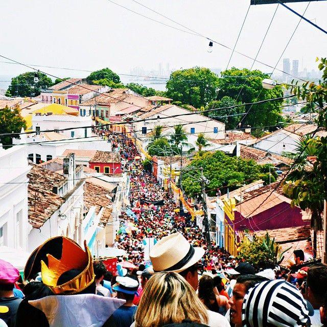Olinda, quero cantar A ti, esta canção Teus coqueirais, o teu sol, o teu mar Faz vibrar meu coração De amor a sonhar, minha olinda sem igual Salve o teu carnaval!  #photooftheday #picture #carnaval #carnaval2015 #olinda #fevereiro #alegria #festa #maioremelhor #pernambuco #nordeste #brasil #brazil #ladeiradamisericordia #vsco #vscocam #vscocambrazil #vscocambrasil #befunky #pernambucoesochegar #carnavalpe #ig_brasil #eucurtorecife