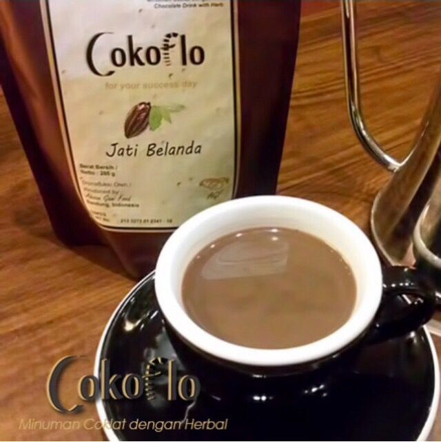 Hope your weekend is as warm and comforting as this herbal chocolate drink from @cokoflo.id ☺️ Location: Bandung