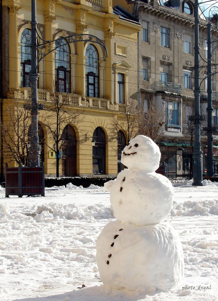 Snowman on the main square, in Debrecen.