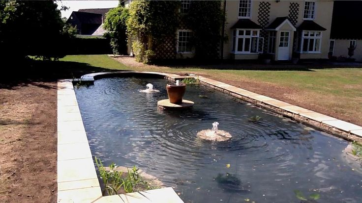 Formal Pool with Fountains