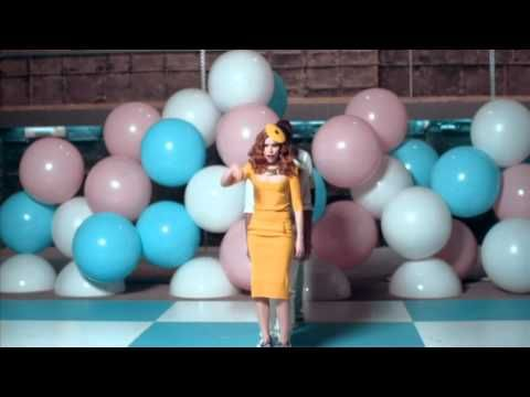 Paloma Faith - Upside Down (she's adorable)