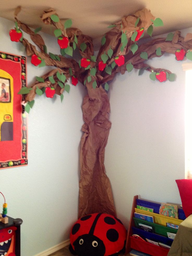 Apple tree for September. Made out of Kraft paper, construction paper leaves I cut out and apple cut outs from Teacher Heaven.