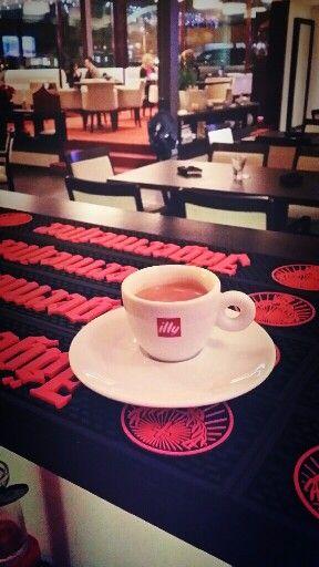 Illy coffe @ Vitraj Premium Lounge