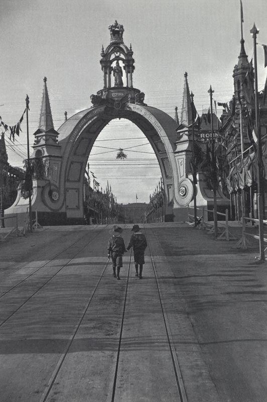 Vintage Melbourne in Black & White - Collins St