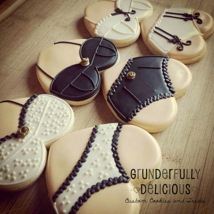 Grunderfully Delicious: lingerie cookies for a bachelorette party.