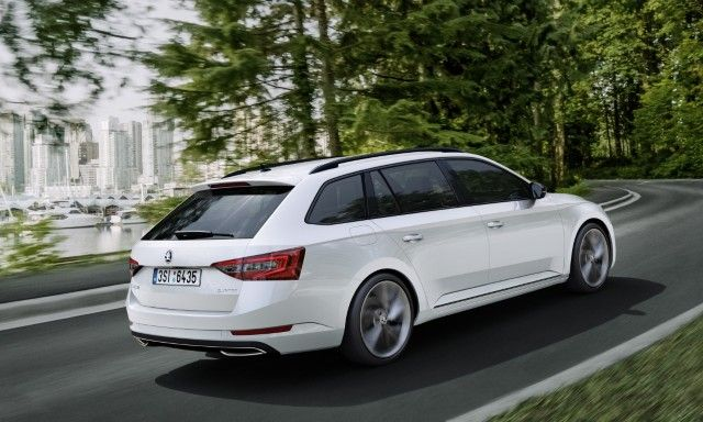 Is the new Superb Combi more beautiful and elegant than the Volkswagen Passat?