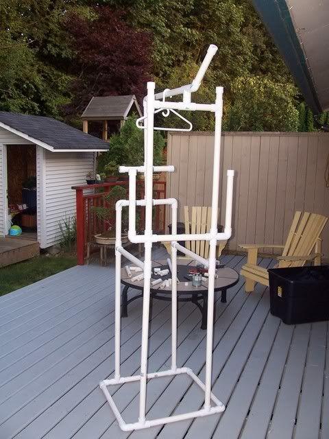 Scuba gear drying rack. Photo by fishherder | Photobucket.  See it in use here: http://s35.photobucket.com/user/fishherder/media/100_4078.jpg.html