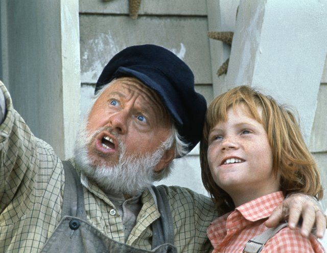 Still of Mickey Rooney and Sean Marshall in Pete's Dragon
