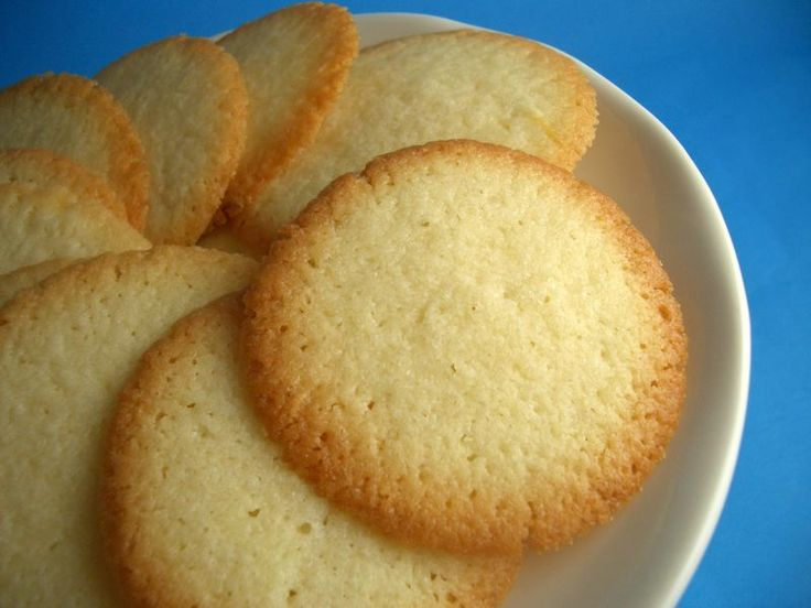 Crisp Swedish Butter Cookies (w/potato starch) -- Swedish Butter Cookies • 1 cup butter, softened • 1 cup sugar • 1 egg • 1 1/2 teaspoon vanilla • 1 cup potato starch flour • 1 cup flour