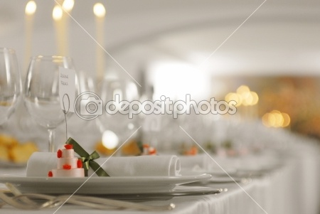 Wedding table - white, wedding, tovaglia, tavola, table, storia d'amore, silverware, silver, setting, service, serve, romantic, restaurant, reception, pranzo, plate, place, party, napkin, mer, meal, matrimo, luxury, la raccolta, knife, intrattenimenti, interior, glass, formal, fork, food, flowers, flower, fancy, event, elegant, drink, dinner, dine, decoration, decor, cutlery, cloth, chair, celebration, catering, bouquet, bene, banquet, arrangement