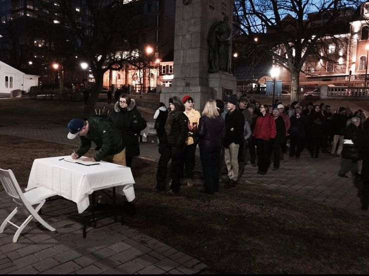 Right now-ish at Grand Parade from @ADebisonCTV  A very long line signing a book of condolences under a Quebec flag at half-mast @CTVAtlantic