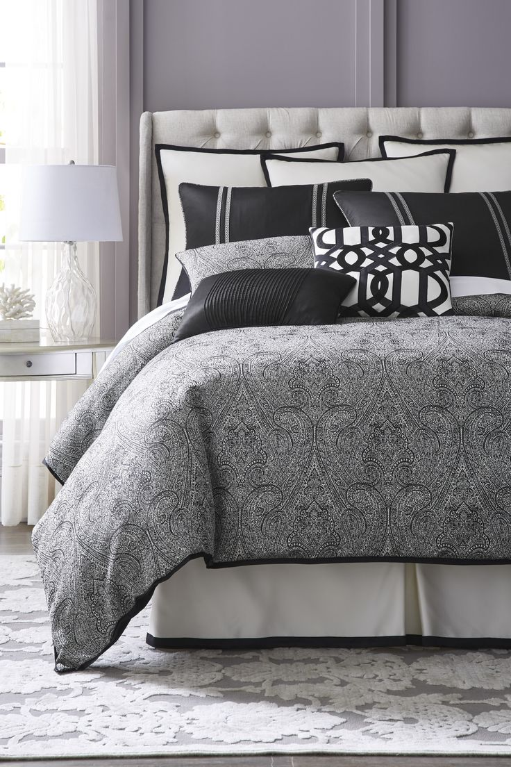 When choosing your new bedding set, incorporate prints and accent pillows  for a distinctive look