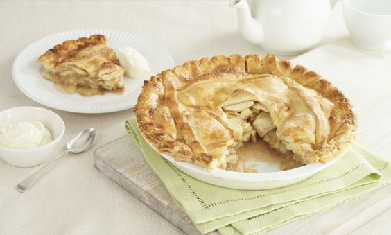 Old fashioned gluten-free apple pie featuring a buttery, tender gluten-free pie crust and a simple classic apple pie filling.
