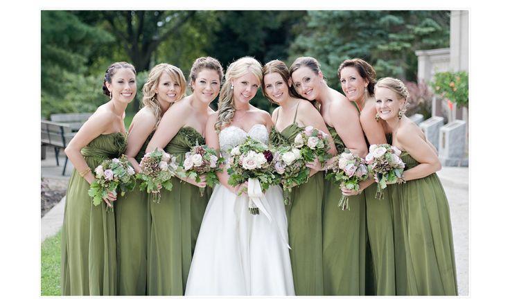 windsor-london-ontario-wedding-winery-flowers-bridesmaids