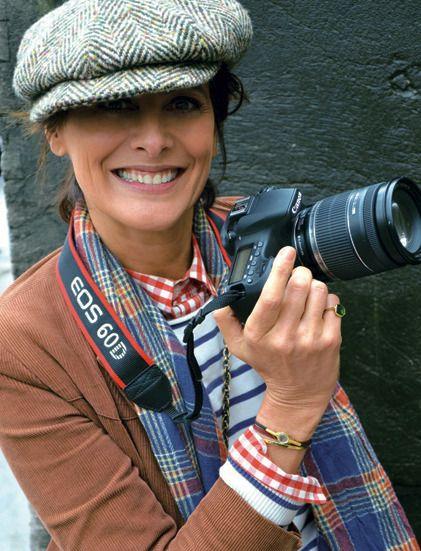 Backstage par Ines de la Fressange  L'icône mode s'est glissée dans les coulisses des défilés haute couture printemps-été 2012 » http://madame.lefigaro.fr/style/backstage-par-ines-de-fressange-100212-214197