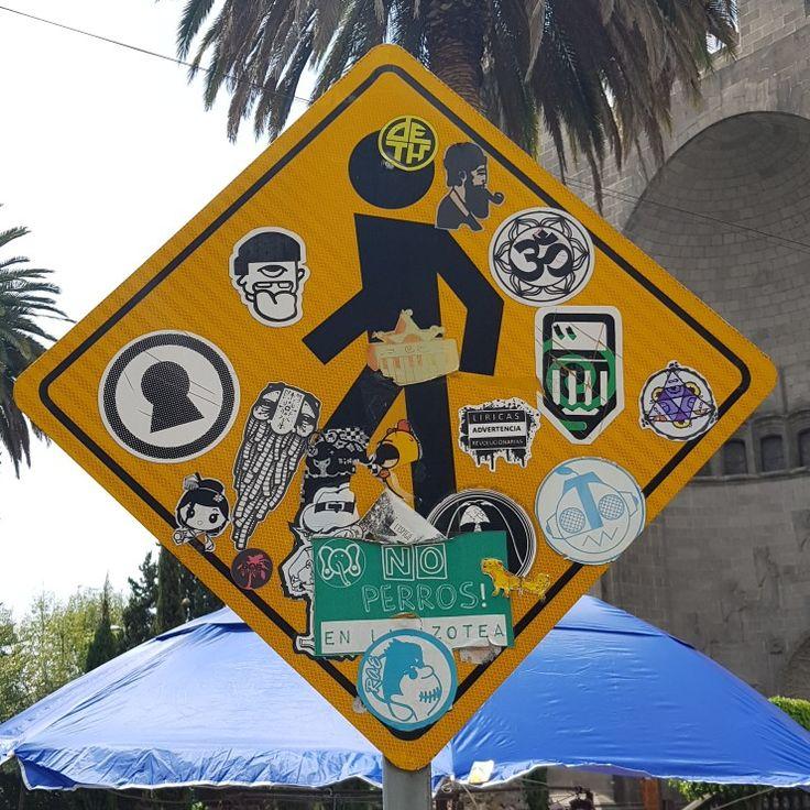 Calle de Dumas-Polanco #atreurbano #stikers