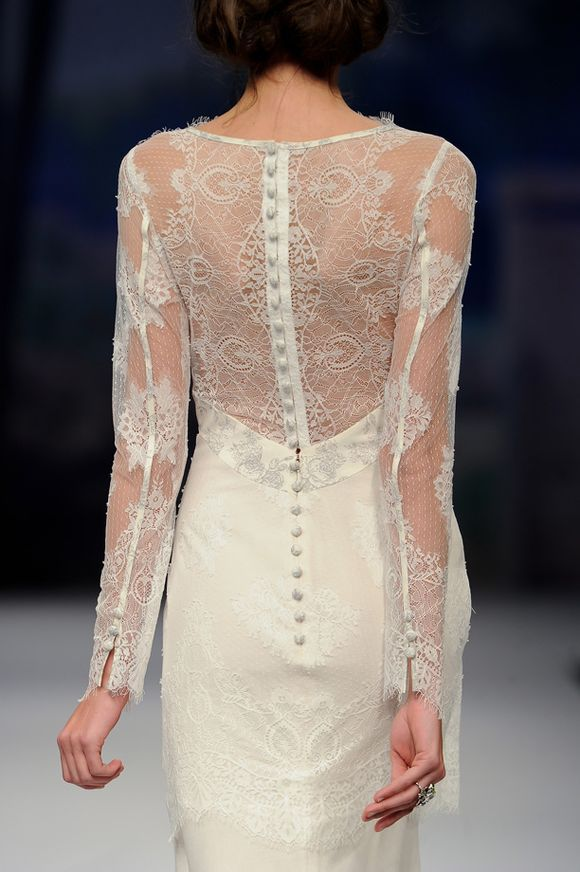Incredible lace. i never considered a mini kurung or kebaya but this cutting looks nice. :)