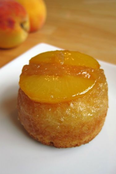 These Peach Upside-Down Muffins are dangerously delicious.