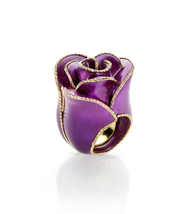 Bouquet ring by Caoro