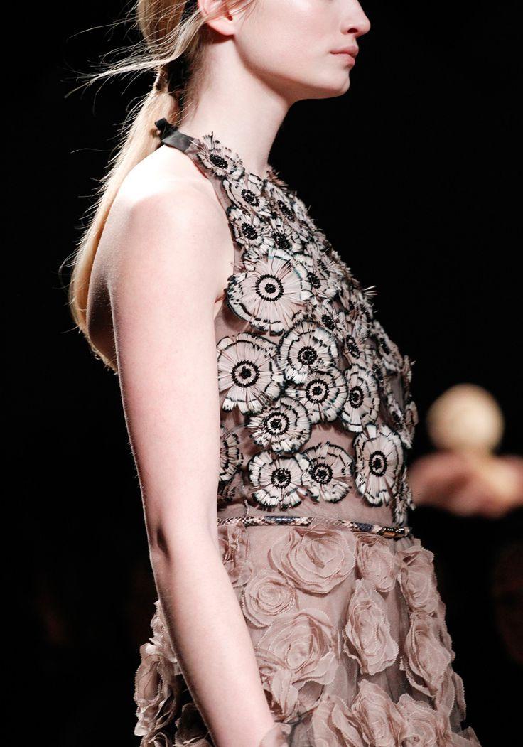 valentino fall rtw 2011: Valentino Fall, Bespoke Fashion, F2011Rtw Fashion, Fashion Details, 2011 Details, Fashion Design, Fashion Inspiration, Brown Rose, Fall 2011