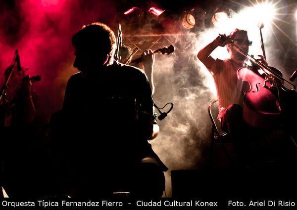La música como solución al calor y la humedad. MOCK te trae unas postales de Orquesta Típica Fernandez Fierro, Mimi Maura, Agarrate Catalina, Heavysaurios y Riddim, y lo que pasó en sus shows de la última semana.