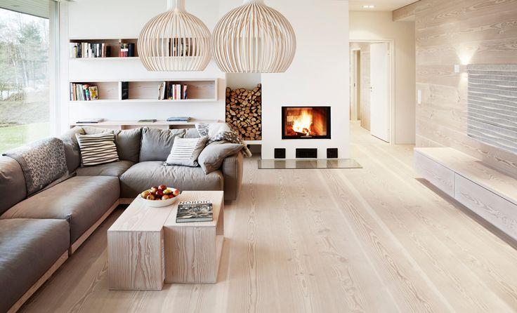 Douglasie Dielenboden in schönem Wohnzimmer (11) Wohnen