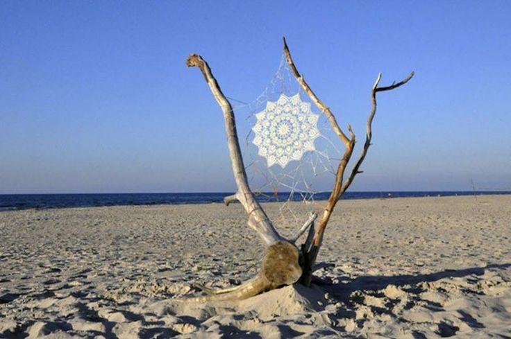 EMBROIDERY ART @ THE BEACH- Seems like we're not the only ones who love embroidery as much as the beach, and figure out ways to bring them together!  #mitos #mitoswimwear #life #beach #sand #wood #embroidery #lace #sea #sun #art #moroccan #mosaic